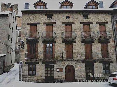 Casa Felices y Albergue A Borda Felices de Broto es una oferta de turismo rural que pertenece a la red de alojamientos de Turismo Verde de Huesca.
